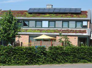 ca. 13,5 m² thermische Solaranlage zur Warmwasser und Heizungsunterstüzung. Einbau: 2003 in Schönberg