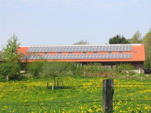 25,6 kWp netzeinspeisende solare Stromanlage Einbau: 2004 in Dannau